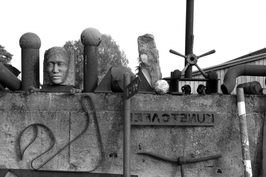 sculptures_bw